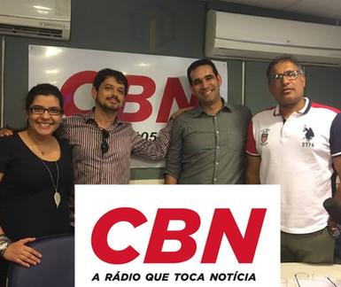 Em mesa redonda sobre investimentos com Aldo Vilela, Amanda Aires e Jean Melo.