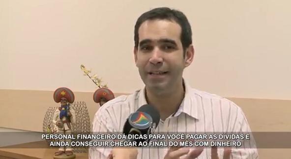 Entrevista para a TV Jornal (SBT) sobre os gastos das festas de fim de ano e despesas do começo de ano.