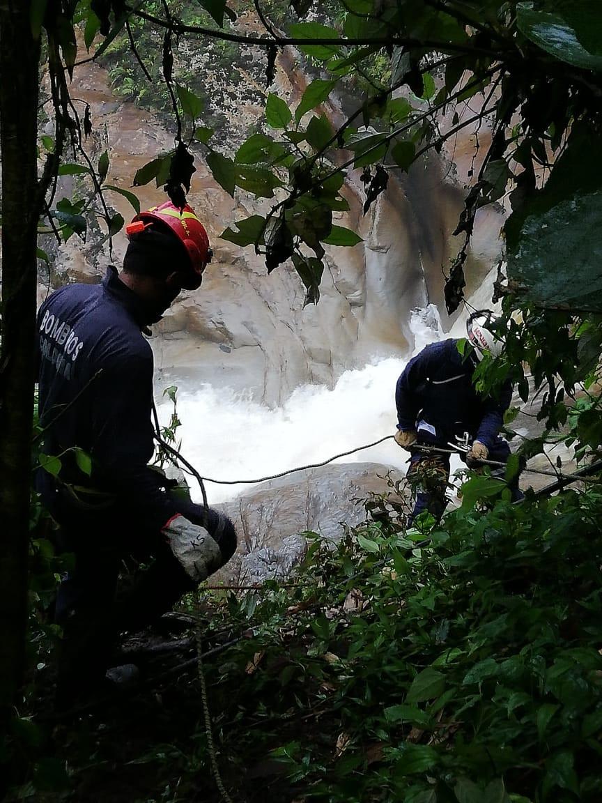 Acciones de rescate por parte de Bomberos Andes
