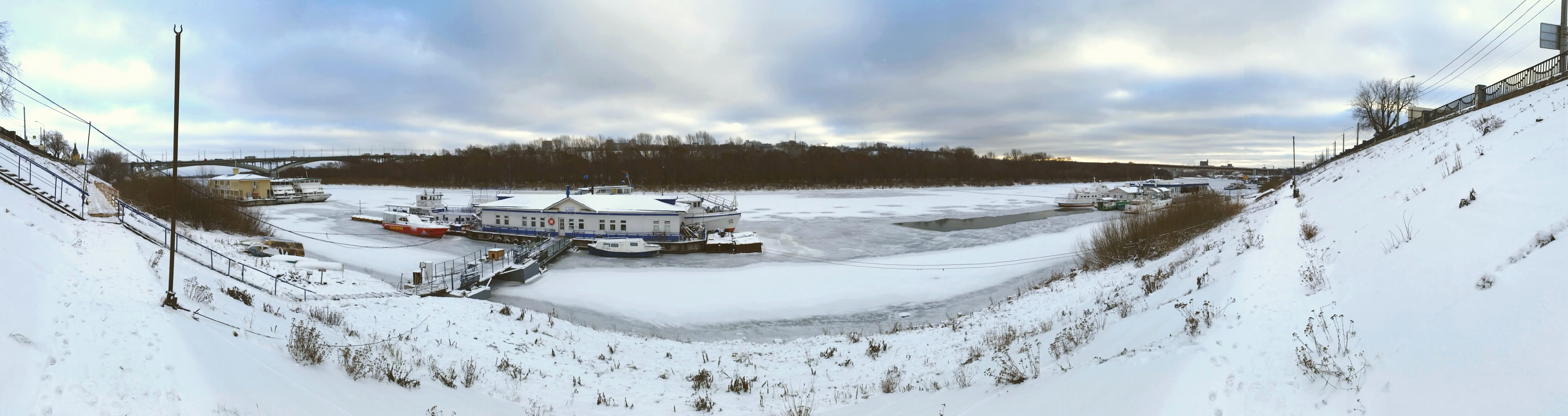 Речные прогулки ВСК Зима
