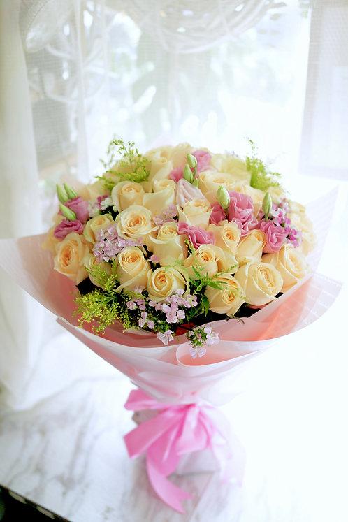 51香檳玫瑰大花束  Champagne Rose bouquet CHRE51A
