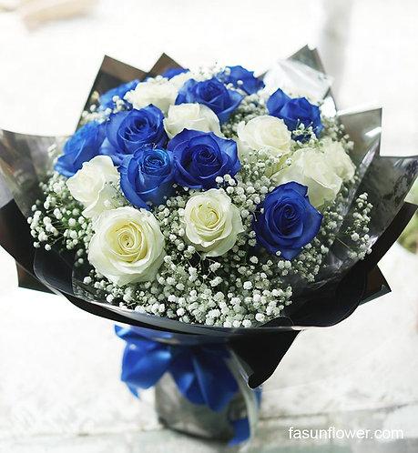 (必需預定)肯亞藍白玫瑰花束 Blue & White Rose bouquet KYWHBR20B