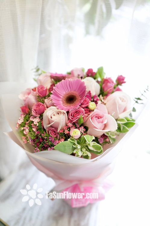 Pink gerbera and roses Bouquet 太陽花玫瑰花束 PKOR1