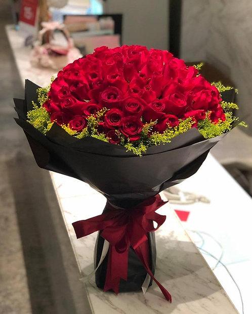 99/108 紅玫瑰黃襯花花束 Red Roses Bouquet RE-BK99A