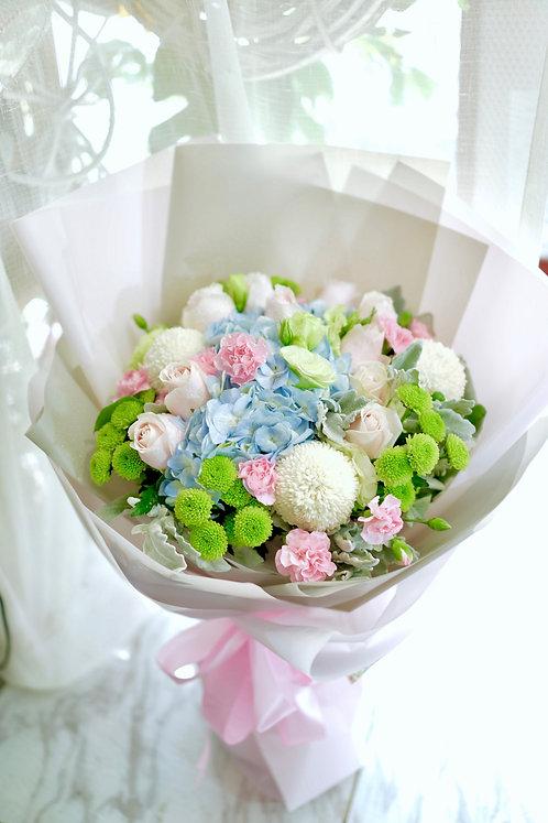 藍繡球玫瑰綠小菊花束 Blue hydrangea Roses Green chrysanthemum bouquet BHYGC1