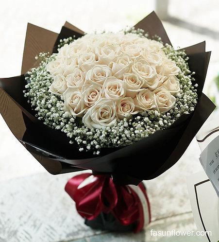 38枝白玫瑰滿天星花束 White Rose Baby Breath Bouquet WH-BK38B
