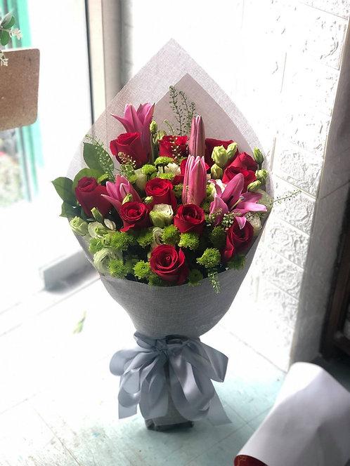 12枝玫瑰白百合花束 (多色可選)12 Roses White Lily Classic Bouquet RELY12