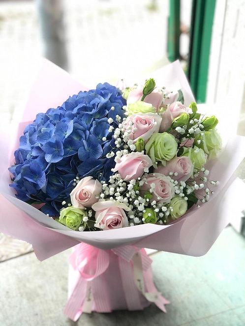 情人節深藍繡球粉雪山花束 VDay Deep Blue Hydrangea Pale Pink Rose bouquet VD-PPHYB10-B