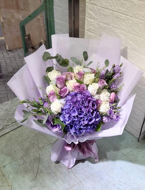白玫瑰紫玫瑰繡球花束 White and Purple roses hydrangea bouquet WHPUHY20N