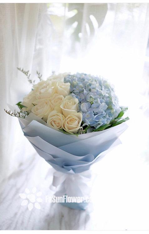 白玫瑰藍繡球花束 white roses hydrangea bouquet WHHY12