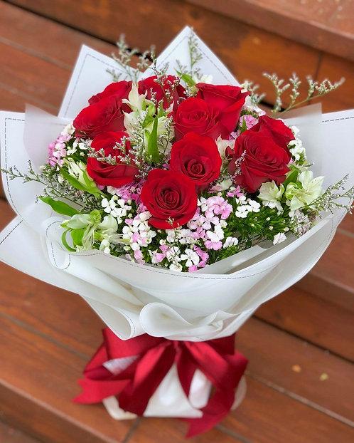 12枝紅玫瑰小百合花束 RELL01