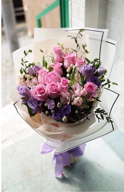 深粉玫瑰花束 Deep pink roses bouquet DPLL10