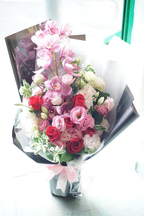 紅玫瑰惠蘭花束 Rose Cymbidium Bouquet REPKCY1