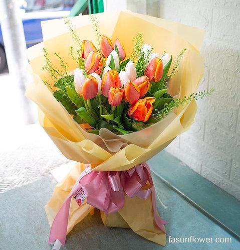 20枝橙色加白色鬱金香花束 Tulip bouquet WHORTU20