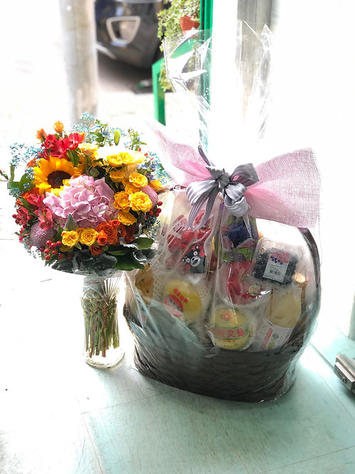 中秋名貴鮮菓禮籃及花禮 Luxury Fruit Hamper with flower *LUNAR-HF-LX