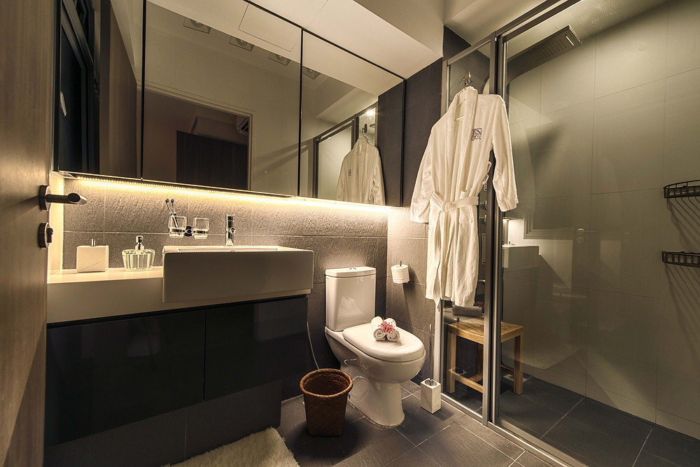 Mr Shopper Studio | Cool Hotel HDB Apartment Bathroom