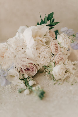 delicate flowers roses peonies big day gordes