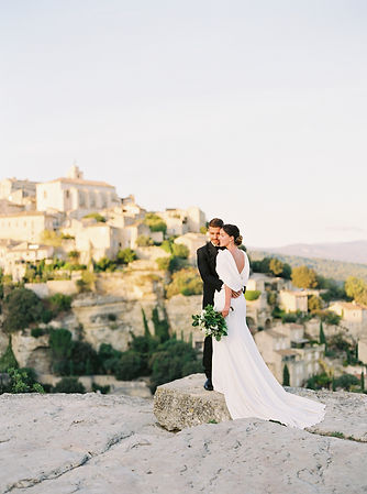 couple picture Gordes point of view elegant wedding dress tuxedo