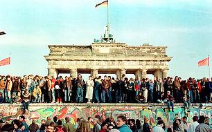 berlin-wall_3097676k.jpg