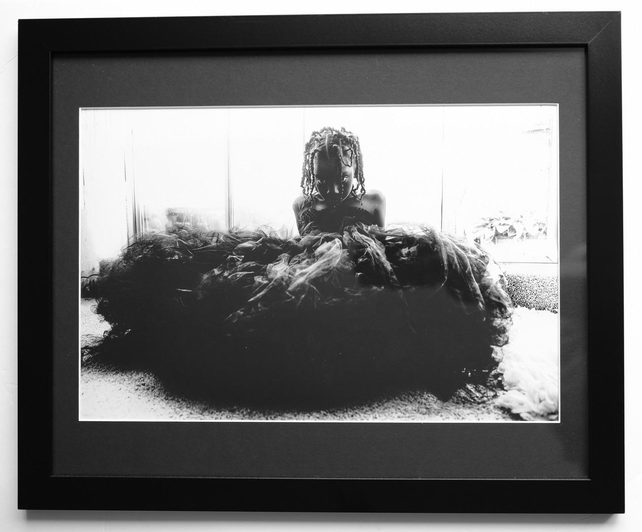 16X20 black frame 12X18 photo 12X18 black mat