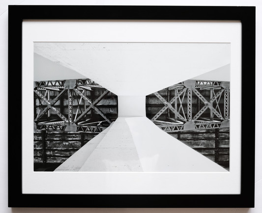 16X20 black frame 12X18 photo 12X18 white mat