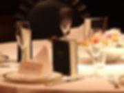 結婚式のプランニングは【E-Wedding】へご相談ください。ゲストのテーブルとメッセージカードの画像