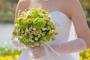 結婚式のプランニングは【E-Wedding】にお任せ こだわりの演出やアイデアでサポート 花嫁がブーケを持っている画像