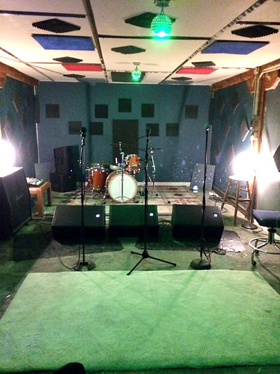 The second practice space is fully stocked with everything you need to let your creative process flow