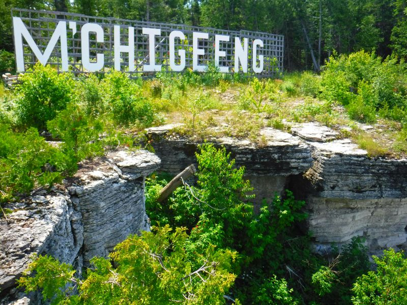 "M'Chigeeng ""Hollywood"" sign"