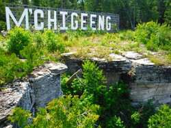 """M'Chigeeng """"Hollywood"""" sign"""