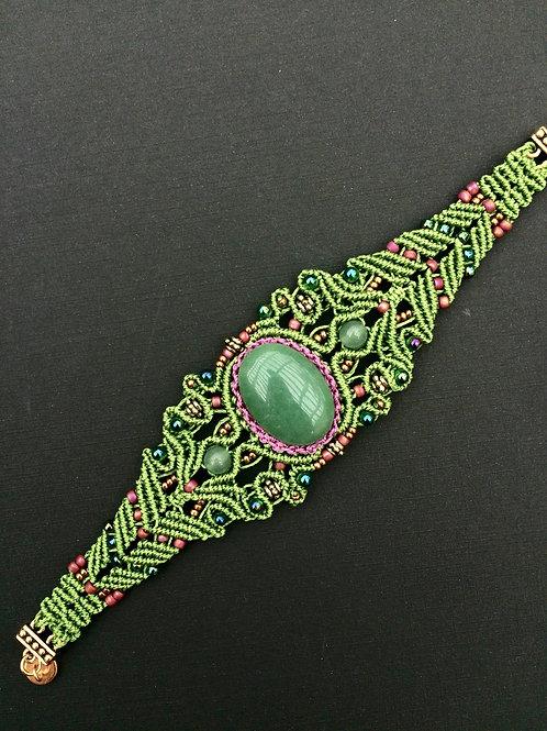 Green micromacrame bracelet