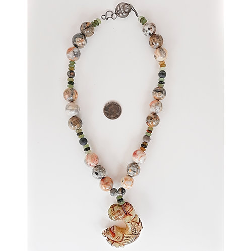 Contemporary Chinese design necklace