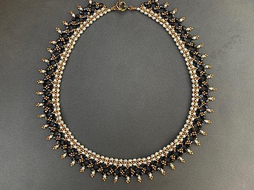 Elegant necklace