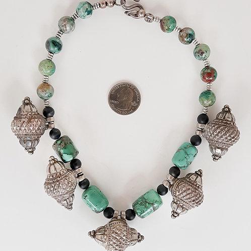 Contemporary Indian design necklace