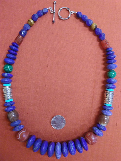Homage necklace to Tommy Singer in lapis