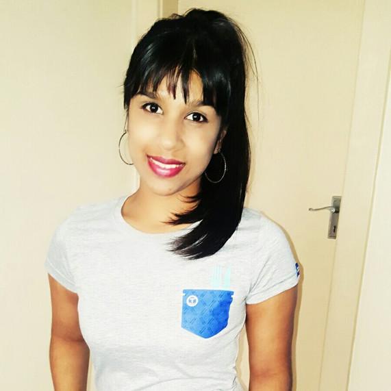 Tiffany in her mock pocket bonhappi-T gave a R2000 feeding donation