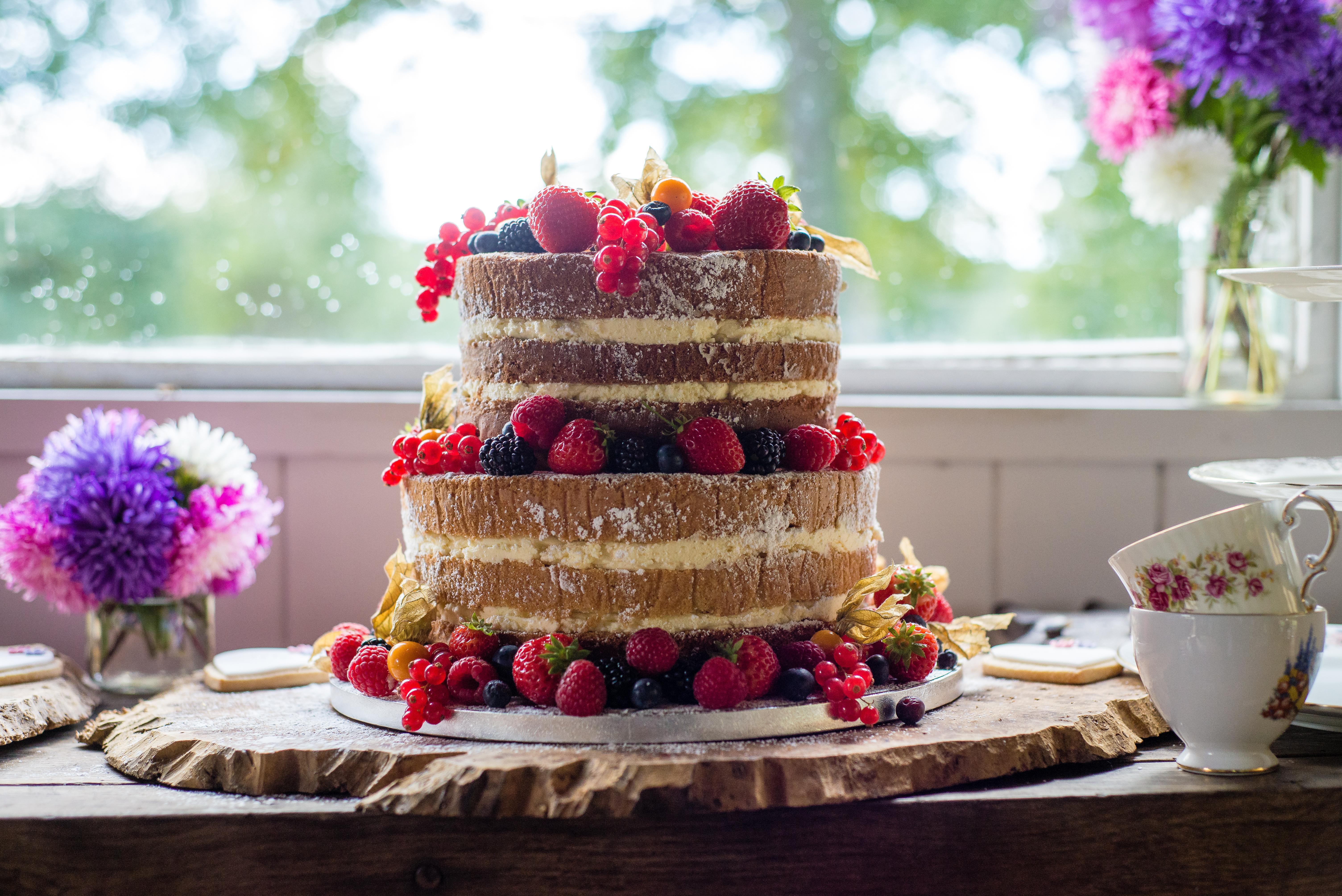 Burr Slice Cake Stand