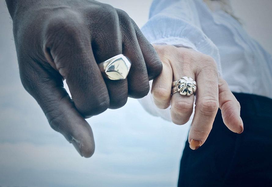 Leisa Russell_One Rock Rings_Finger Link