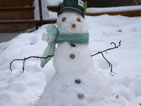 Build a snowman, win a prize!