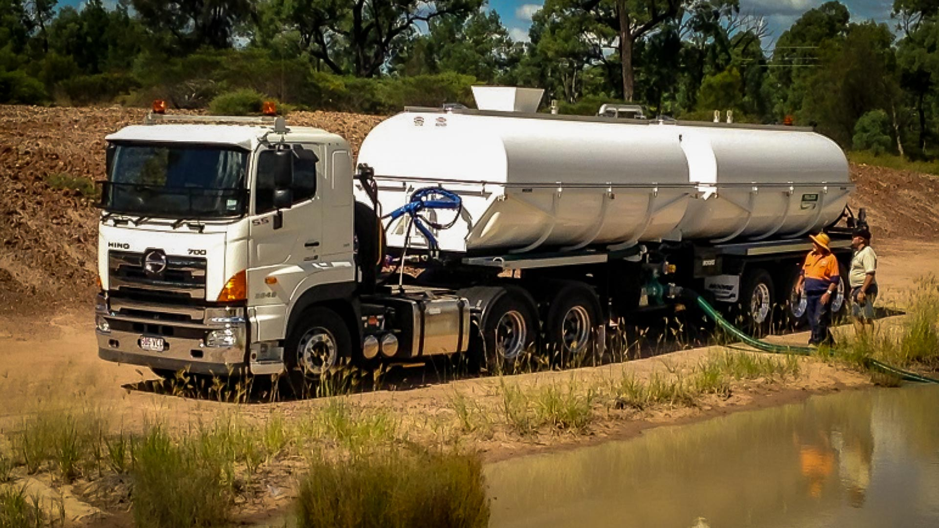 Western Downs Regional Council -Bulk Road Watering Tanker also used for Fire Fighting Re Supply