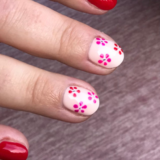 flowernails.jpg