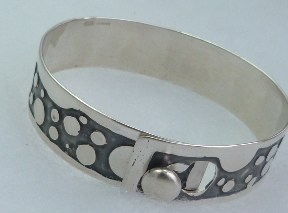 fj bracelet etched pebbles