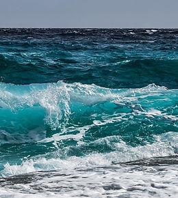 wave-3473335_1920_edited.jpg