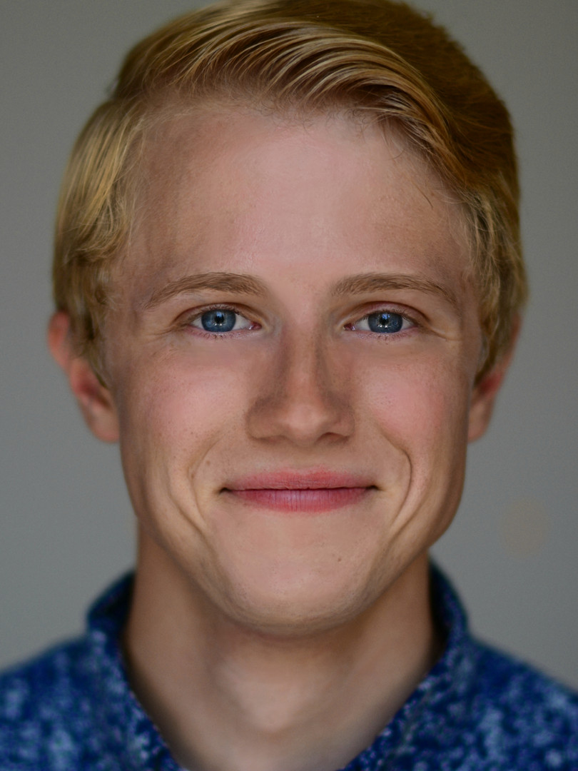 Andy Headshot 2.jpg