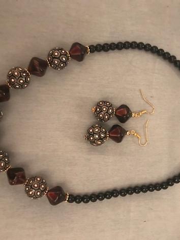 Sumunnat Necklace & Earrings