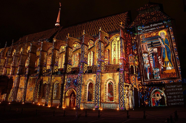 Saint-Pierre_-Chartres_en_Lumièreslight_©Conception_Xavier_de_Richemont-photographe_François_DELAUNE