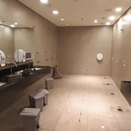 Galeria Comercial (Banheiros)