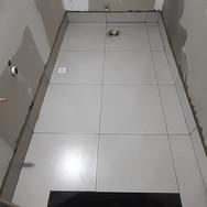 Banheiro Galeria (Piso, Rodapé e Soleira)