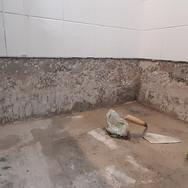 Banheiro (remoção de pisos e azulejos)