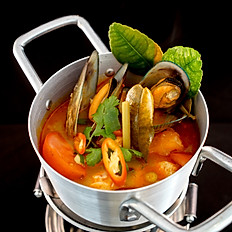 Hot Pot Seafood Tom Yum